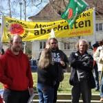 Björn Thoroe bei Demonstrierenden vorm Landeshaus